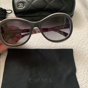 Chanel sunglasses 😎